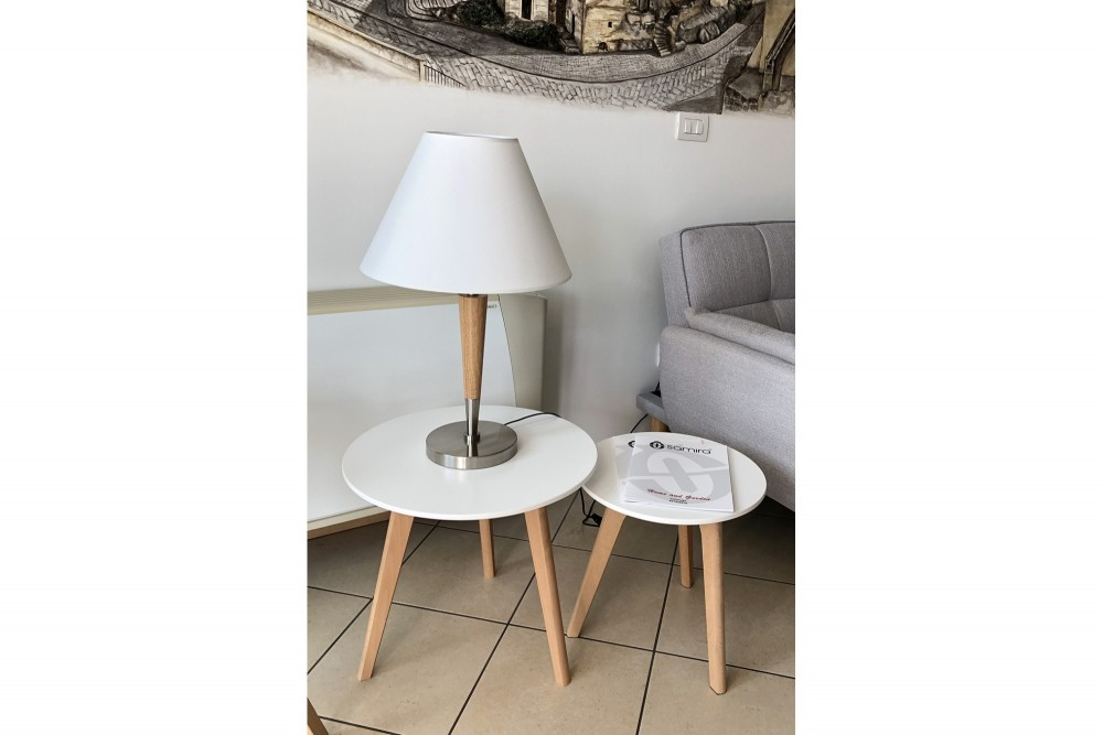 Tavolini da salotto mod. Twins con top bianco in mdf e piedi in legno Arredo